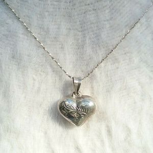 Jewelry - 925 Silver Etched Puffy Heart Pendant & Necklace